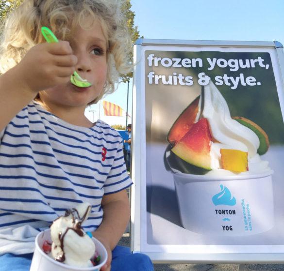 Une solution complete et clé en main de Frozen Yogurt dans votre établissement, nous vous amenons tout sur un plateau!